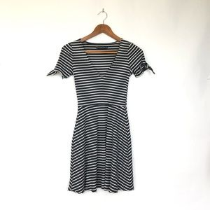 Abercrombie and Fitch Blue Striped V-Neck Dress XS